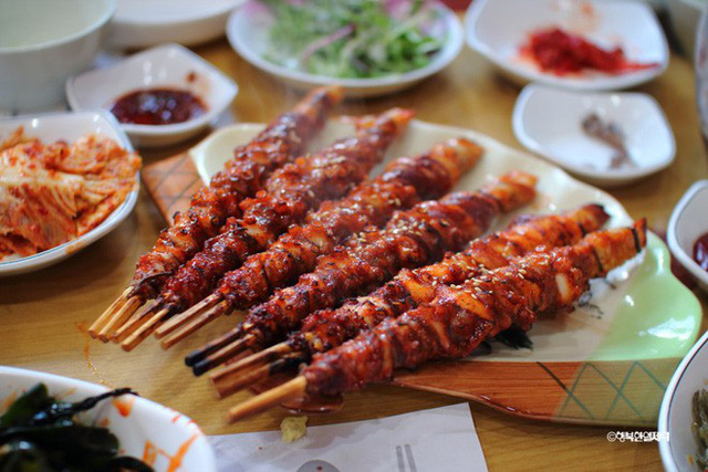 Đang thèm ăn hải sản mà thấy các món bạch tuộc này của Hàn Quốc thì đúng là khó có thể kiềm lòng - Ảnh 9.