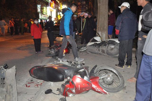 """Đại tá CSGT nói vụ xe Lexus đâm liên hoàn ở phố Trích Sài """"có dấu hiệu của một tội phạm"""" - Ảnh 2."""