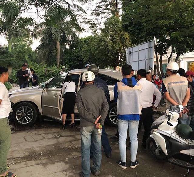 Thêm một vụ nữ tài xế xe Lexus gây tai nạn liên hoàn - Ảnh 1.
