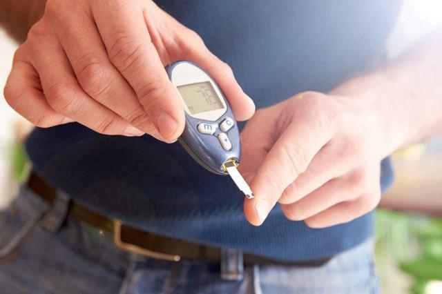 Dấu hiệu cảnh báo gan nhiễm mỡ dù không uống rượu bia: Phát hiện sớm sẽ tránh được bệnh xơ gan và ung thư gan - Ảnh 4.