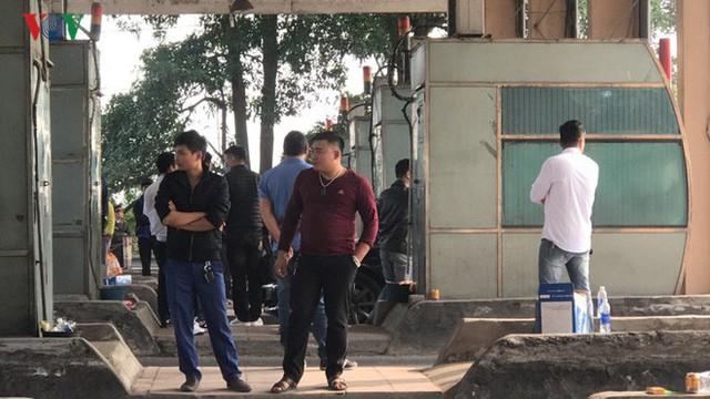 """Hình ảnh trạm BOT Bắc Thăng Long – Nội Bài """"thất thủ"""" do lái xe phản đối - Ảnh 6."""