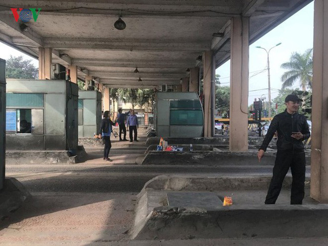 """Hình ảnh trạm BOT Bắc Thăng Long – Nội Bài """"thất thủ"""" do lái xe phản đối - Ảnh 8."""
