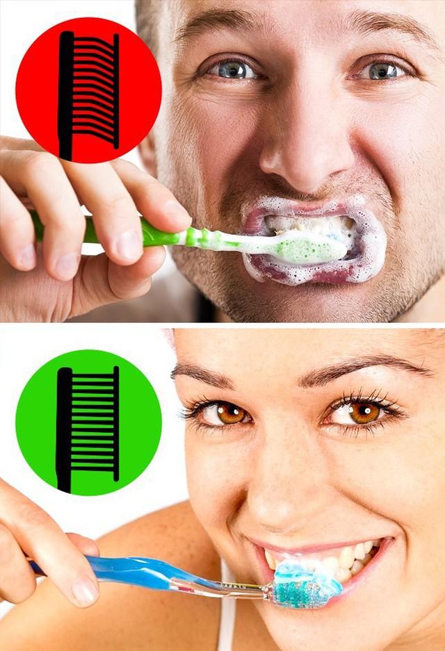 8 sai lầm phổ biến gây hại răng miệng: Chắc chắn ai cũng dính ít nhất một cái - Ảnh 1.