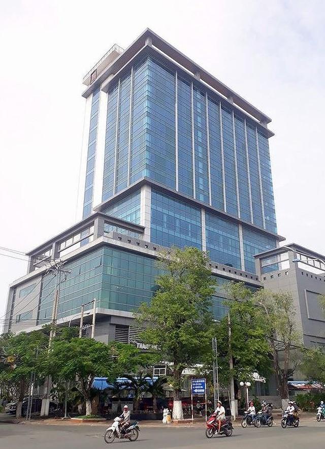 Cận cảnh cao ốc Bạc Liêu Tower xây thời Trịnh Xuân Thanh bị rao bán - Ảnh 2.