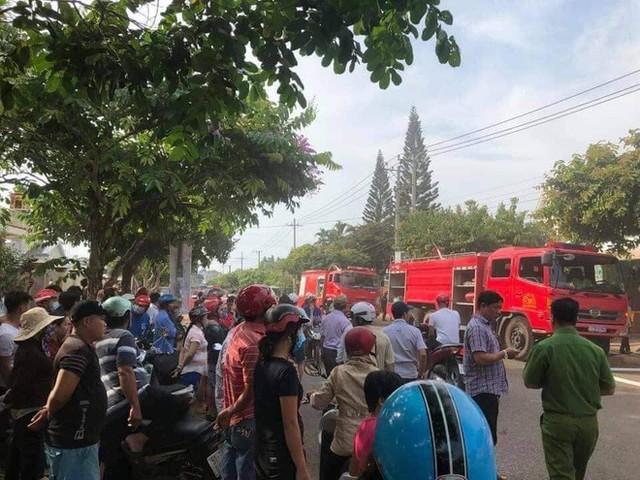 NÓNG: Nhà hàng ở Đồng Nai bốc cháy dữ dội, ít nhất 6 người tử vong - Ảnh 2.