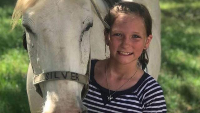 11 tuổi đã mắc u não hung hiểm không thể phẫu thuật, cô bé tưởng chừng phải đối mặt Tử thần bất ngờ được cứu sống nhờ phép màu đến từ trời xanh - Ảnh 4.