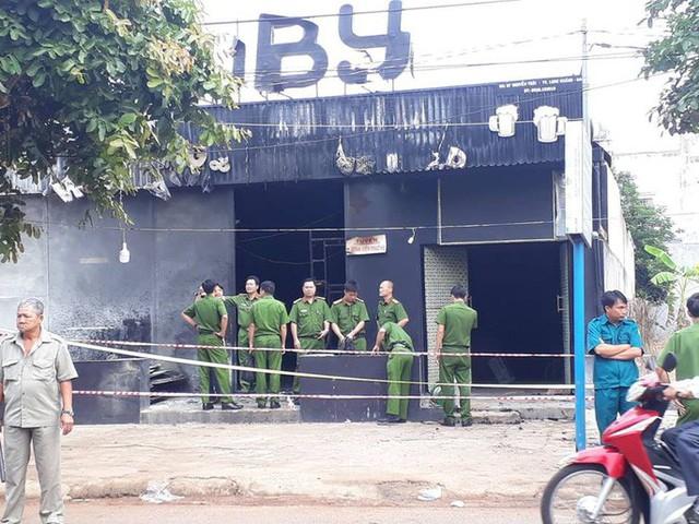 Vụ cháy nhà hàng 6 người chết ở Đồng Nai: Nạn nhân thứ 7 rất nguy kịch - Ảnh 1.