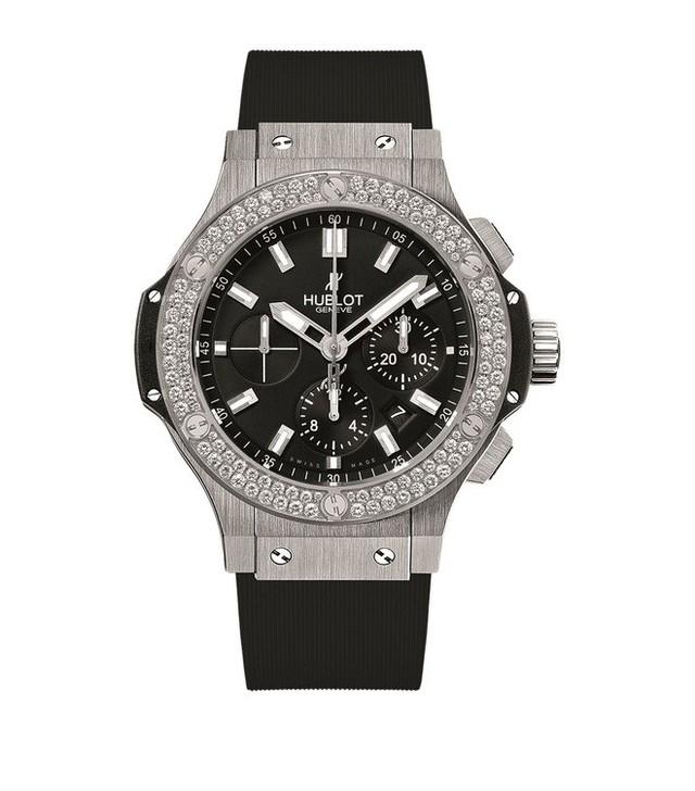 Trước thì giản dị hết sức, giờ Quang Hải đã mạnh tay lên đồ với đồng hồ 300 triệu và giày hiệu đắt đỏ rồi - Ảnh 8.