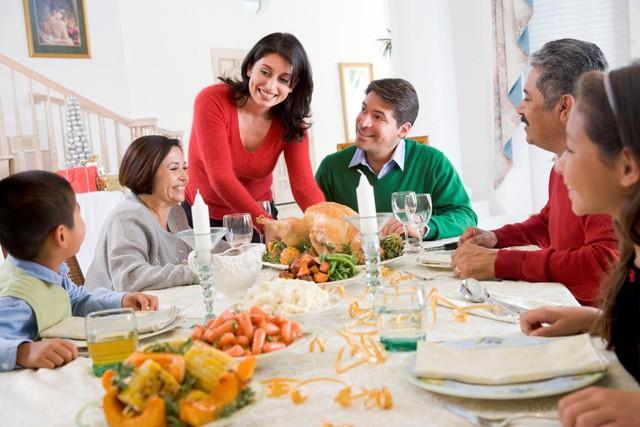 *Mẹo nhỏ giúp bạn tránh khỏi những câu hỏi không thoải mái về chuyện bao giờ cưới, thưởng tết bao nhiêu và tận hưởng kì nghỉ Tết dương lịch một cách trọn vẹn - Ảnh 3.