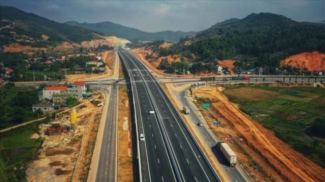 Ngắm toàn cảnh cao tốc Hạ Long - Vân Đồn 12.000 tỷ xuyên vùng Đông Bắc  - Ảnh 12.