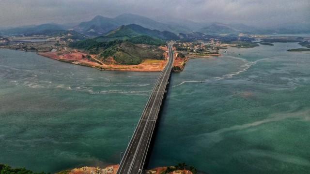 Ngắm toàn cảnh cao tốc Hạ Long - Vân Đồn 12.000 tỷ xuyên vùng Đông Bắc  - Ảnh 17.