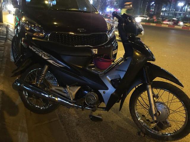 2 bà bầu nhập viện sau vụ xe Hyundai tông liên hoàn trên đường Trần Duy Hưng rồi bỏ chạy - Ảnh 3.