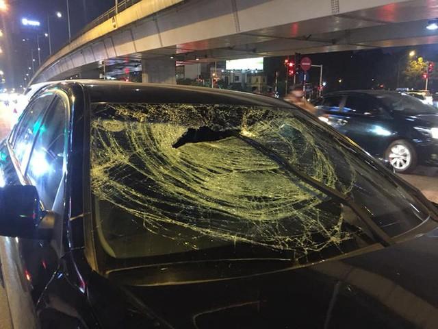 2 bà bầu nhập viện sau vụ xe Hyundai tông liên hoàn trên đường Trần Duy Hưng rồi bỏ chạy - Ảnh 4.