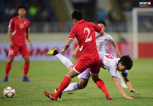 Xuân Trường: Niềm cảm hứng chơi bóng khơi dậy ở trận đấu với CHDCND Triều Tiên - Ảnh 4.