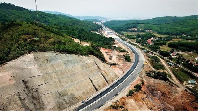Ngắm toàn cảnh cao tốc Hạ Long - Vân Đồn 12.000 tỷ xuyên vùng Đông Bắc  - Ảnh 4.