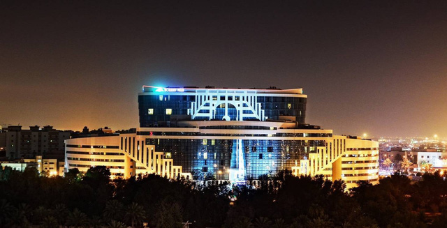 Cận cảnh khách sạn sang chảnh, nơi đội tuyển Việt Nam đóng quân tại Qatar - Ảnh 2.