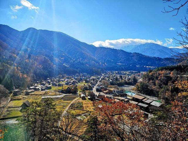 Shirakawa-go, ngôi làng đẹp như bước ra từ cổ tích, nơi thai nghén bộ truyện Doraemon nổi tiếng của Nhật Bản - Ảnh 1.