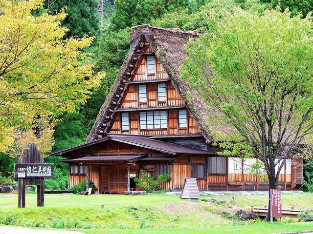 Shirakawa-go, ngôi làng đẹp như bước ra từ cổ tích, nơi thai nghén bộ truyện Doraemon nổi tiếng của Nhật Bản - Ảnh 3.