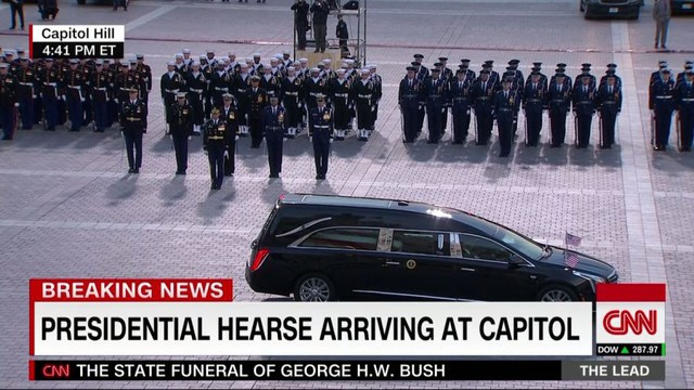 Cập nhật tang lễ cố Tổng thống Bush (cha): Di hài nằm ở trái tim của tòa nhà Quốc hội Mỹ - Ảnh 3.