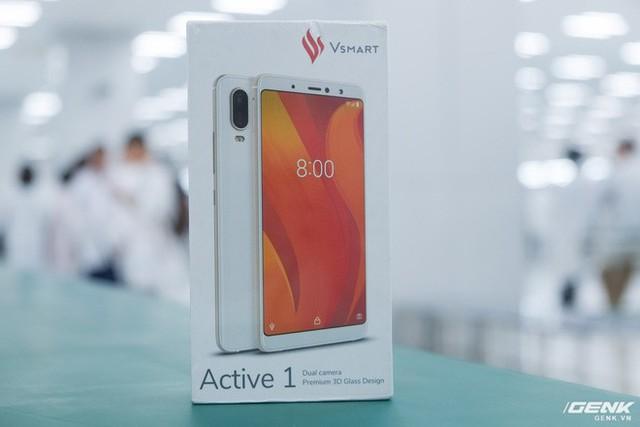 Những hình ảnh đầu tiên về Vsmart Active 1 và Vsmart Joy 1: Hai trong số bốn mẫu smartphone sắp ra mắt của Vingroup - Ảnh 1.