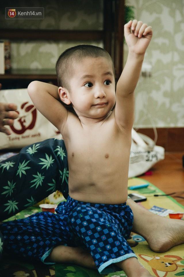 Lời tâm sự xúc động từ mẹ em bé ung thư não trong bộ ảnh 24h của Tom: Mình không được than vãn, vì thiệt thòi là con... - Ảnh 13.