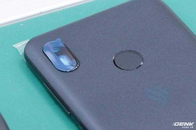 Những hình ảnh đầu tiên về Vsmart Active 1 và Vsmart Joy 1: Hai trong số bốn mẫu smartphone sắp ra mắt của Vingroup - Ảnh 3.