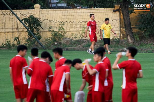Hùng Dũng chấn thương, Xuân Trường có cơ hội đá chính ở bán kết AFF Cup 2018 - Ảnh 1.