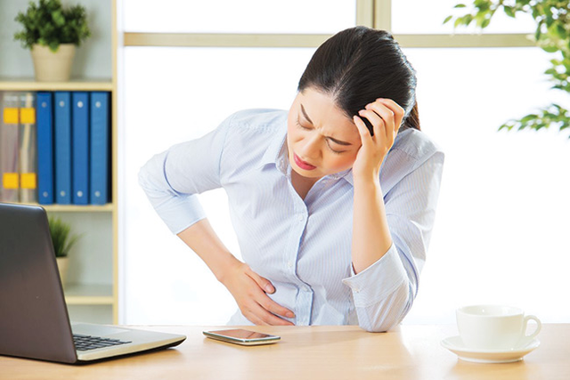 Nằm ngủ ngay sau khi ăn trưa: thói quen dân văn phòng hay mắc phải tiềm ẩn nhiều nguy hại sức khỏe - Ảnh 2.