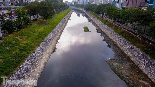 Tràn ngập nước thải, liệu sông Tô Lịch có tái sinh thành sông Thames? - Ảnh 15.