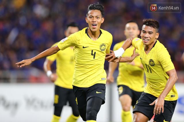 Cầu thủ Thái Lan suy sụp, gục khóc nức nở sau thất bại đau đớn trước Malaysia - Ảnh 15.