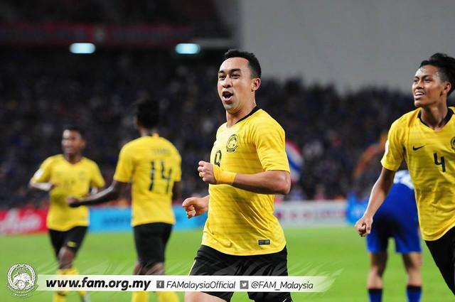 Cầu thủ Thái Lan suy sụp, gục khóc nức nở sau thất bại đau đớn trước Malaysia - Ảnh 17.