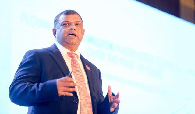 CEO AirAsia Tony Fernandes: Tôi không điên để bỏ qua thị trường Việt Nam! - Ảnh 2.