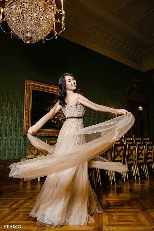 Con gái út ông trùm Huawei: Đã xinh đẹp còn học trường Harvard danh tiếng, mê viết code không kém gì ba lê và thời trang - Ảnh 3.