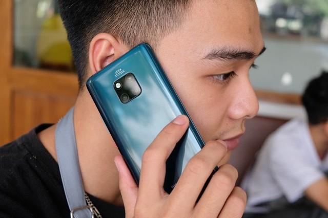 6 smartphone nổi bật nhất năm 2018 tại Việt Nam - Ảnh 3.