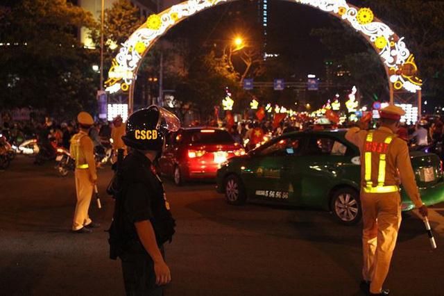 Đêm trắng của cảnh sát giao thông Đà Nẵng - Ảnh 5.