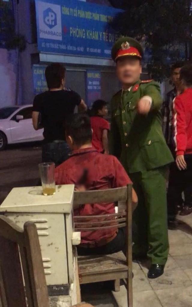 Ẩu đả, tai nạn giao thông liên tiếp trong đêm đi bão mừng chiến thắng của đội tuyển Việt Nam: Vui thôi đừng vui quá! - Ảnh 7.