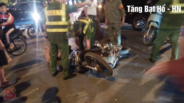 Ẩu đả, tai nạn giao thông liên tiếp trong đêm đi bão mừng chiến thắng của đội tuyển Việt Nam: Vui thôi đừng vui quá! - Ảnh 9.