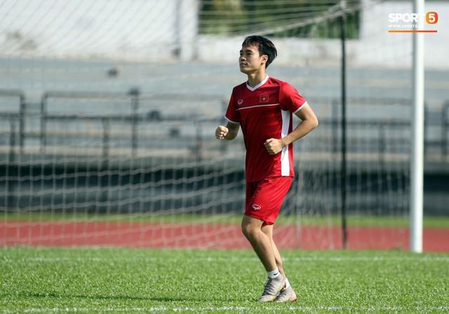 Đội tuyển Việt Nam chia nửa vui, buồn trong buổi tập đầu tiên trên đất Malaysia - Ảnh 2.