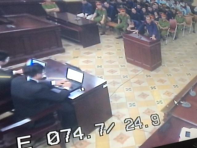 Phiên tòa chiều 1/2: Các bị cáo được nói lời sau cùng, nhiều người xin HĐXX giảm án để sớm trở thành người có ích cho xã hội - Ảnh 1.