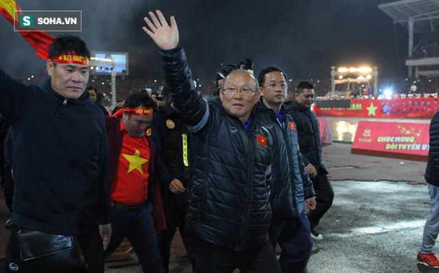 NÓNG: HLV Park Hang-seo lên Phố núi cảm ơn bầu Đức sau kỳ tích U23 Việt Nam - Ảnh 1.