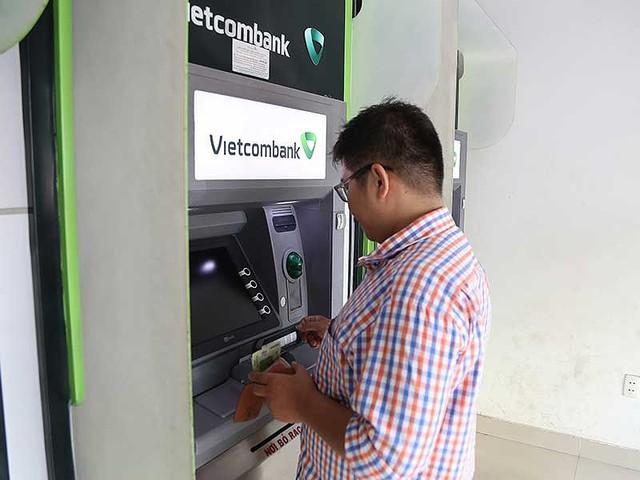 Phát khóc vì ATM 'đứng hình' ngày Tết - Ảnh 1.