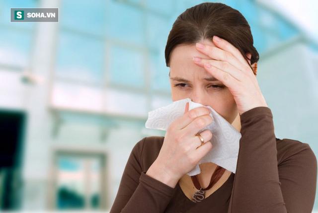 Cảm cúm nguy hiểm hơn bạn nghĩ, chuyên gia khuyến cáo nhóm người nhất định phải tiêm phòng - Ảnh 1.