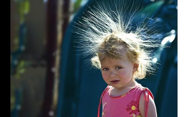 Đọc ngay nếu bạn hay bị điện giật khi chạm vào đồ vật trong mùa đông - Ảnh 2.