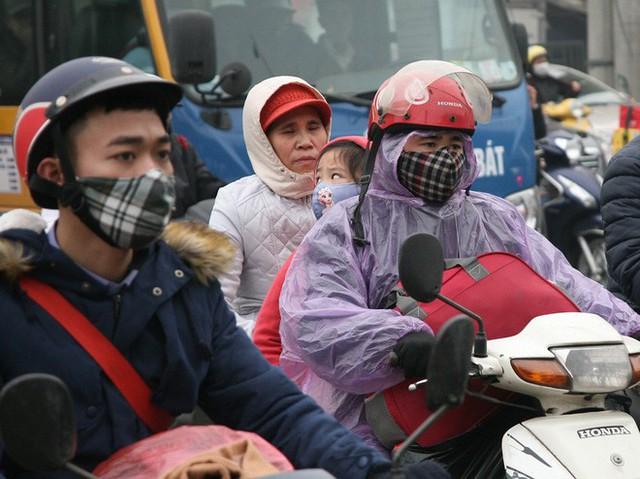 Hà Nội: Nhiều cửa ngõ Thủ đô ùn tắc do dòng người ùn ùn đổ về quê ăn Tết  - Ảnh 17.