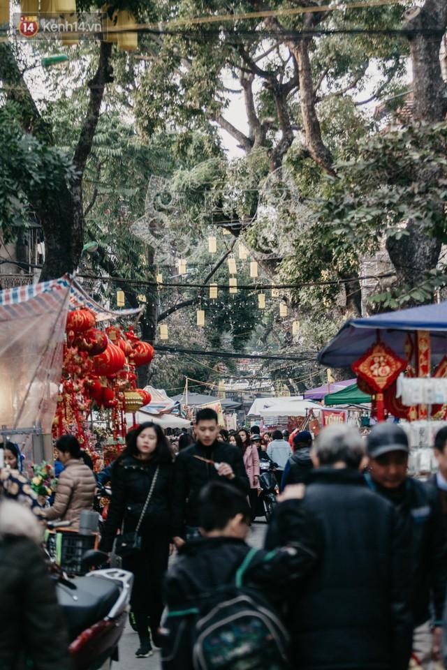 Chùm ảnh: Ghé thăm chợ hoa truyền thống lâu đời nhất Hà Nội - cả năm chỉ họp đúng một phiên duy nhất - Ảnh 3.
