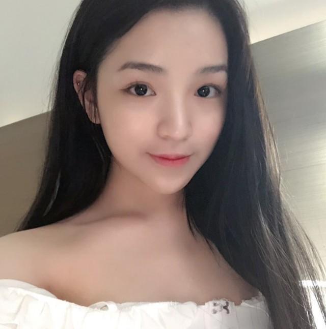 Đẳng cấp của thiếu gia Việt: Bạn gái ai cũng xinh không phải dạng vừa! - Ảnh 13.