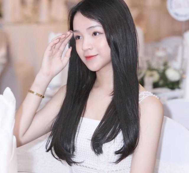 Đẳng cấp của thiếu gia Việt: Bạn gái ai cũng xinh không phải dạng vừa! - Ảnh 14.