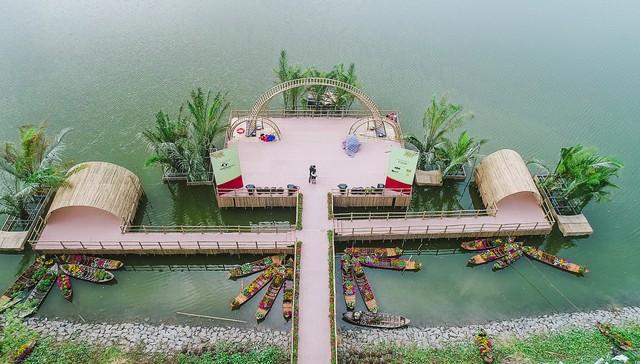 Toàn cảnh đường hoa xuân Mậu Tuất 2018 rực rỡ tại khu đô thị Ecopark và Phú Mỹ Hưng - Ảnh 5.
