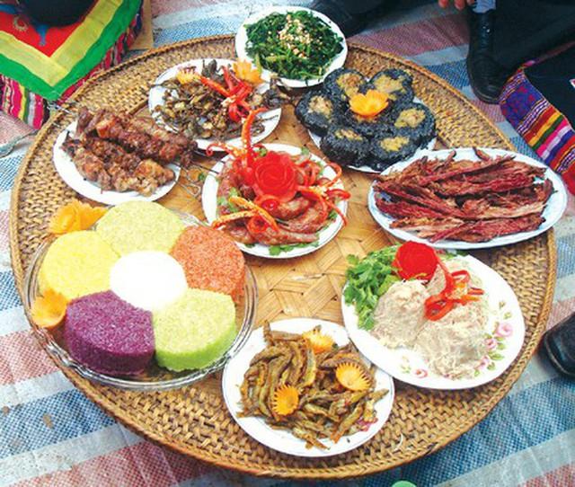 Cũng ăn Tết Nguyên Đán, nhưng các dân tộc vùng núi có những món vô cùng đặc sắc và lạ lẫm - Ảnh 11.
