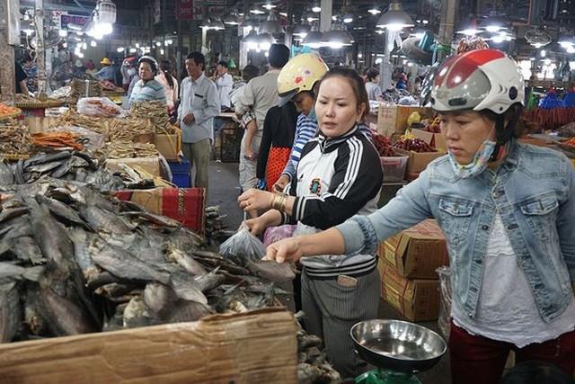 Chợ thủy hải sản khô lớn nhất Sài Gòn tất bật ngày cận Tết  - Ảnh 20.